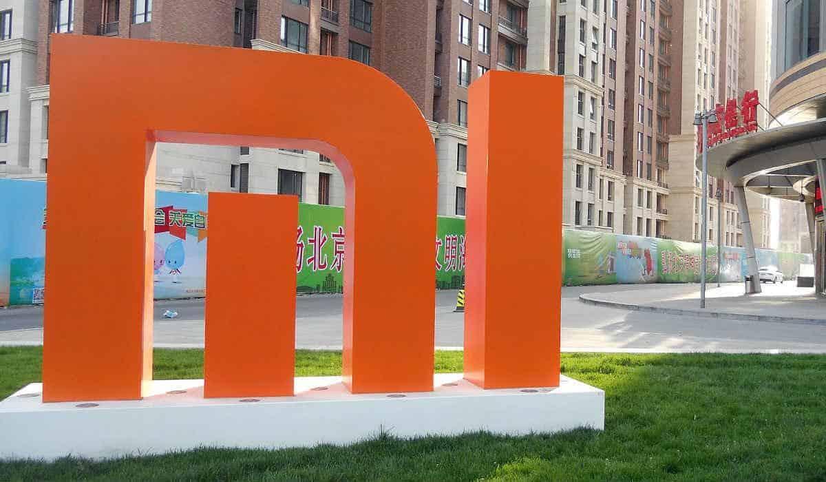 Ingang van een Xiaomi kantoor in Beijing Chips