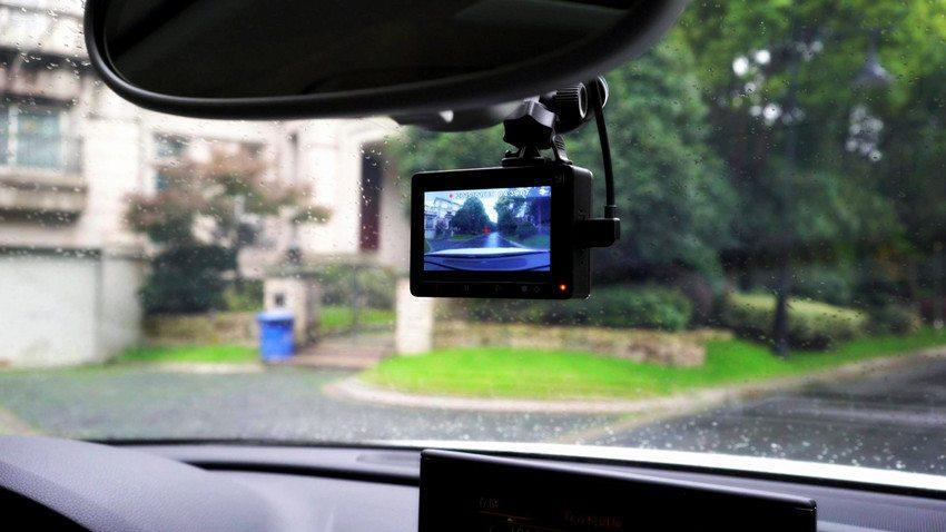 Xiaomi dashcam in de auto